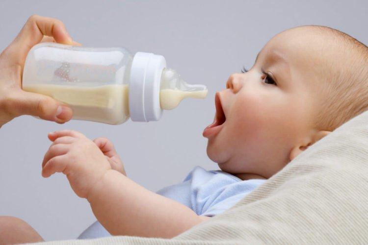 Stillen oder Fläschen geben – Eine Entscheidung vor der Geburt?