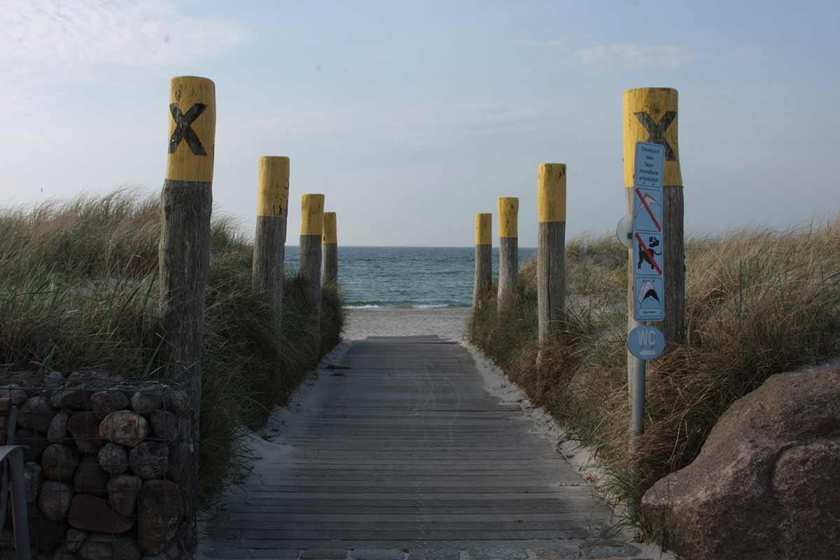 Weg zum Südstrand auf Fehmarn