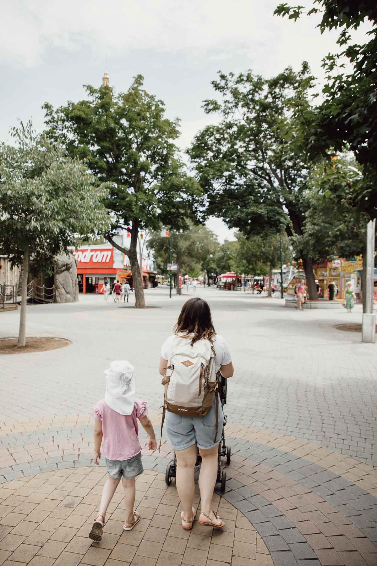 Sandra mit Kinder im Wiener Prater